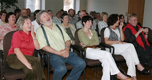 Vortrag-Der-Witz-Helmut-Dold-Ringsheim-Publikum